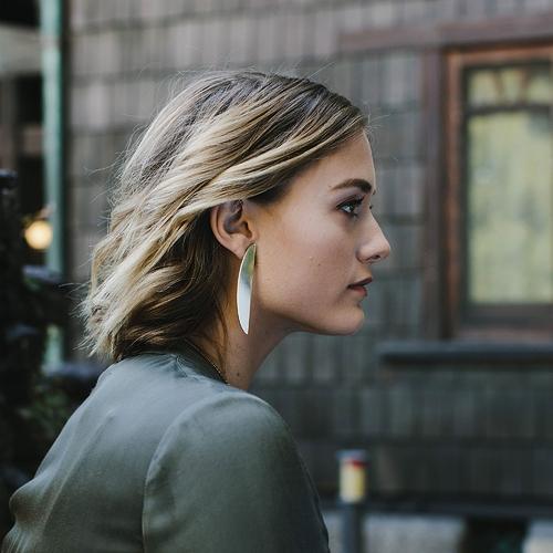 Crescent-Earring-Emily-2_2000x